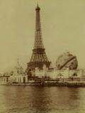 Paris  1900 World Exhibition  The Eiffel Tower and the Grand Globe Céleste