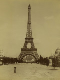 Paris  1900 World Exhibition  The Eiffel Tower