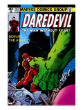 Daredevil 163 Cover: Hulk and Daredevil Fighting