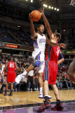 New Jersey Nets v Sacramento Kings: Luther Head and Brook Lopez