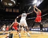 Chicago Bulls v San Antonio Spurs: Kyle Korver and Antonio McDyess