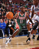 Milwaukee Bucks v Philadelphia 76ers: Earl Boykins and Marreese Speights
