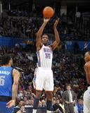 Dallas Mavericks v Oklahoma City Thunder: Kevin Durant and Tyson Chandler