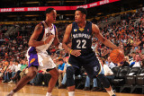 Memphis Grizzlies v Phoenix Suns: Rudy Gay and Channing Frye
