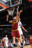 Cleveland Cavaliers  v San Antonio Spurs: Anderson Varejao and Richard Jefferson