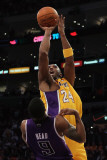 Sacramento Kings v Los Angeles Lakers: Kobe Bryant and Luther Head