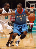 Tulsa 66ers v Sioux Falls Skyforce: Tweety Carter and Leemire Goldwire