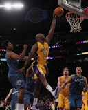 Washington Wizards v Los Angeles Lakers: Lamar Odom and Nick Young