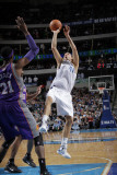 Phoenix Suns v Dallas Mavericks: Dirk Nowitzki and Hakim Warrick