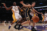 Indiana Pacers v Los Angeles Lakers: Kobe Bryant and Mike Dunleavy