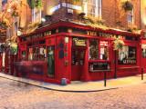 Le pub Temple bar dans le quartier de Temple bar (Dublin) Papier Photo par Eoin Clarke