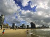 Kitesurfing from Beach