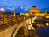 Sant&#39;Angelo Castle and Pont Sant&#39;Angelo over Tiber River
