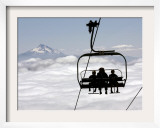 People on the Magic Mile Ski Lift at Timberline Lodge on Mount Hood  Oregon  August 16  2006