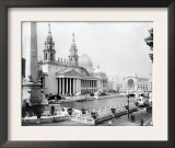 World's Columbian Exposition  Chicago: Palace of Mechanic Arts and Lagoon  1892
