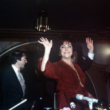 Elizabeth Taylor Waving  February 1982