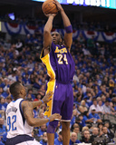 Los Angeles Lakers v Dallas Mavericks - Game Three  Dallas  TX - MAY 6: Kobe Bryant and DeShawn Ste