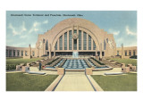 Cincinnati Union Terminal and Fountain  Cincinnati  Ohio