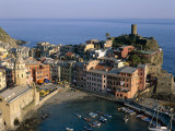 Cinque Terre / Coastal View and Village  Vernazza  Liguria  Italy