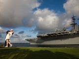 Sculpture Unconditional Surrender with Uss Midway Aircraft Carrier  San Diego  California  USA