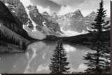 Majestic Moraine Lake  Alberta