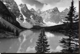 Majestic Moraine Lake  Alberta