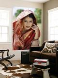 Woman Dressed in Sari / Traditional Costume  Mumbai (Bombay)  Maharastra  India