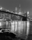Night View of Brooklyn Bridge and Manhattan Skyline