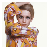 Vogue - March 1967 - Flower Power Twiggy