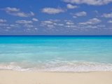 Turquoise Water and Soft Beaches Create a Paradise at Cancun  Mexico