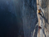 Climbers  Without Ropes  Grip an Expanse of El Capitan