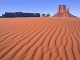 Butte in desert  Monument Valley  Arizona  USA