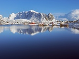 Fishing village of Reine and coastal mountains in the Lofoten Islands