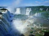 Chutes d'Iguazu avec arc-en-ciel, entre Brésil et Argentine Papier Photo par Joseph Sohm