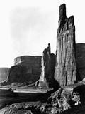 Stone Monoliths at Canyon de Chelly