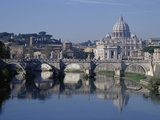 Tiber River and St Peter&#39;s Basilica