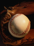 Baseball and a Pitcher&#39;s Mitt