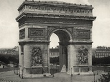 View of L&#39;Arc De Triomphe in Paris
