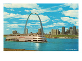 St Louis Arch and Mississippi River