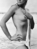 Ursula Andress (B 1936)