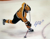 Kyle Okposo Univ of Minnesota Bent Stick Slap Shot Autographed Photo (Hand Signed Collectable)