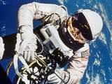 Gemini 4: Spacewalk  1965