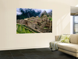 Overview of Terraced Royal Inca Ruins  Machu Picchu  Peru