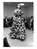 WWD - February 1972 - Bill Blass Spring 1972 RTW