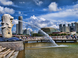 Symbol of Singapore and Downtown Skyline in Fullerton Area  Clarke Quay  Merlion