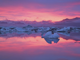 Sunset over the Jokulsarlon Glacier Lagoon  Hofn  Iceland