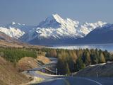 Road to Aoraki Mount Cook  Mackenzie Country  South Canterbury  South Island  New Zealand