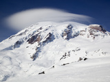 Mount Rainier with Lenticular Cloud over Summit  Mount Rainier National Park  Washington  Usa