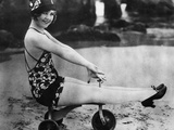 Swimsuit Trends  1925