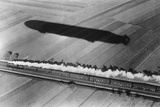 Race Between an Express Train and an Airship  1911